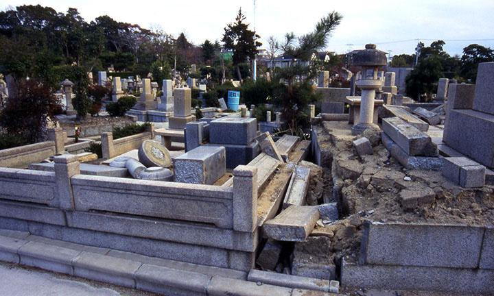 倉敷市お墓の倒壊1