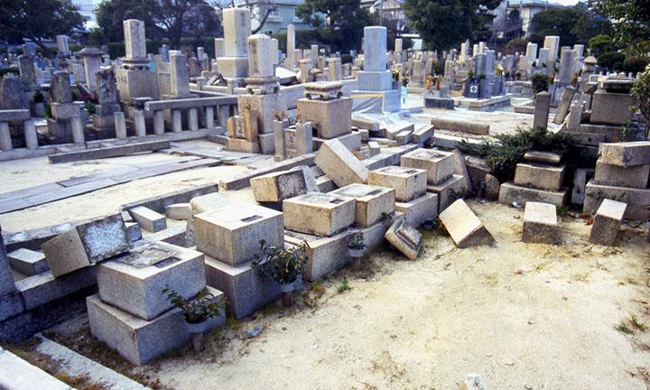 倉敷市お墓の倒壊2